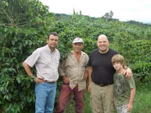 Costa-Rica-Coffee-Farm-Andrew-Vournas-and-Farmers